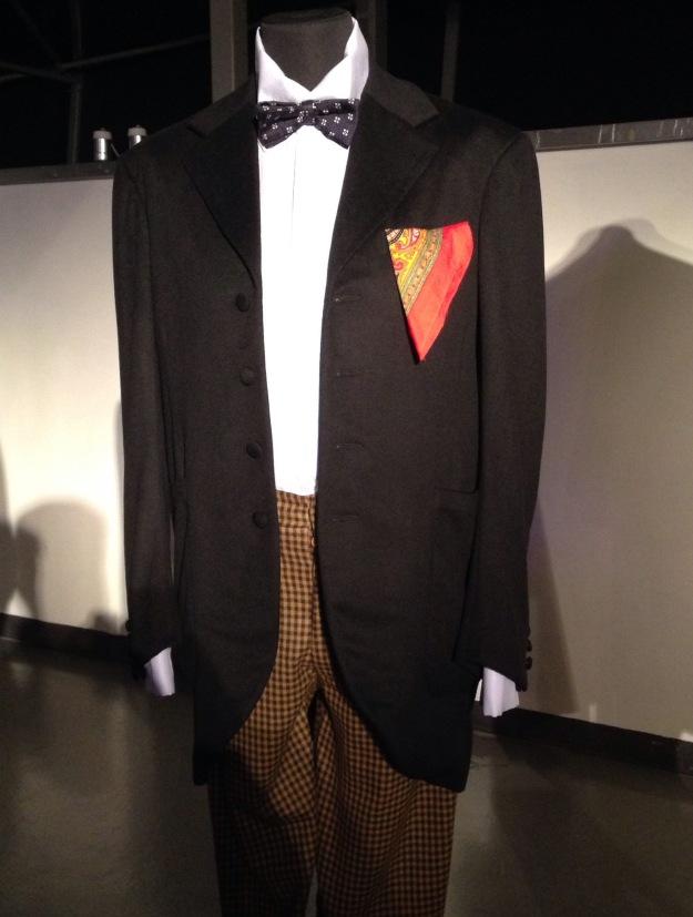 Das typische Outfit des zweiten Doktors, ausgestellt in der Doctor Who Experience in Cardiff.